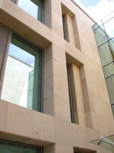 SSG Maxberg® Jura Kalkstein Fassade, Soft Tech Dublin